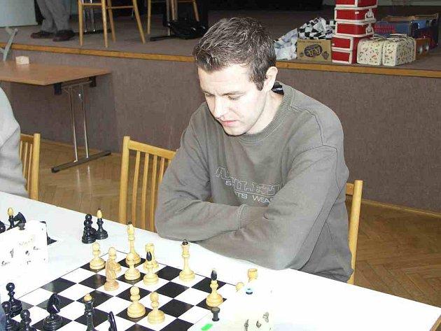 Hráč Maspork TJ Náchod Petr Čechura ztratil v devíti zápasech svého týmu jen 1,5 bodu.