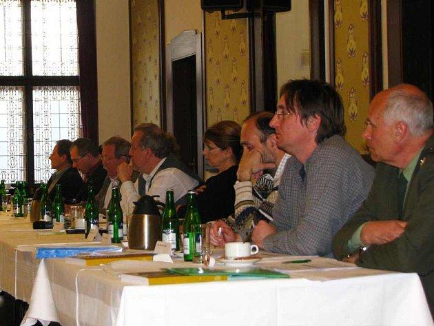 Rada města Náchoda doporučila zastupitelům (na snímku) prodat Pivovar Náchod liberecké společnosti LIF.