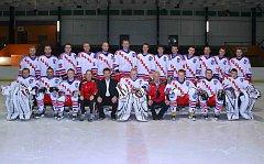 ZÁKLADNÍ část letošního ročníku Krajské hokejové ligy mužů vyhrál Náchod. Ten si díky tomu zajistil přímou účast v semifinále soutěže, kde se postaví vítězi série Nové Město nad Metují – Hronov.