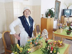 Českoskalický penzion Olga se minulý pátek na chvíli proměnil v tržnici. Společnost Boženy Němcové tu pořádala velikonoční prodejní výstavu.