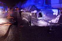 Požár osobního automobilu v Jaroměři.