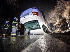 Nehoda se stala v obci Vrchoviny, a to na hlavním tahu z Nového Města nad Metují do Náchoda.