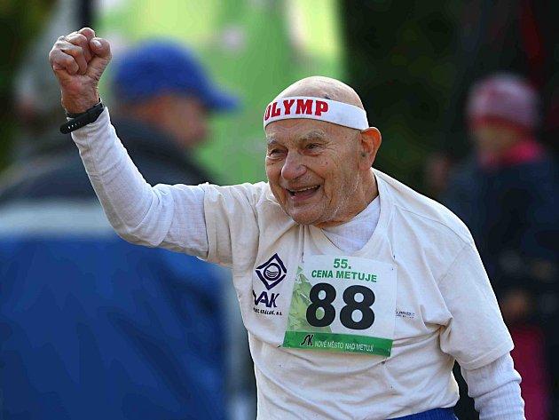 S DESETIKILOMETROVOU tratí 55. ročníku Ceny Metuje se úspěšně popral i osmaosmdesátiletý Jiří Soukup.