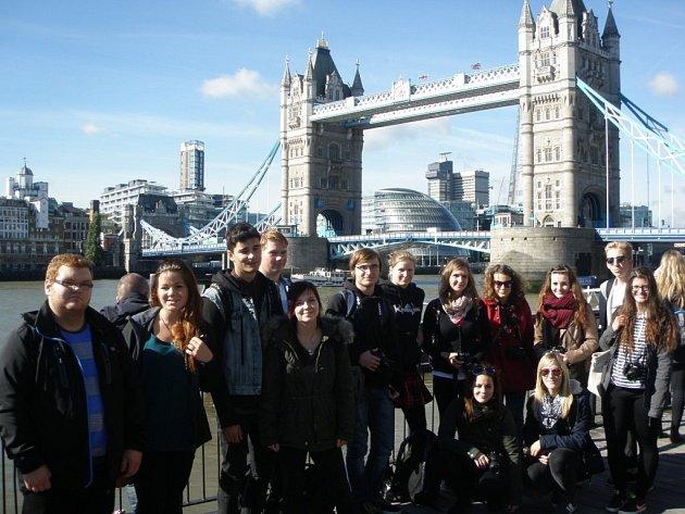 JAZYKOVĚ-VZDĚLÁVACÍ pobyt byl pro studenty časově náročný, ale pořídili se nejen zdokonalit v angličtině, ale prohlédnout si i velké množství památek.