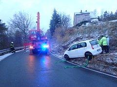 Havárie osobního automobilu v náchodské Horově ulici.