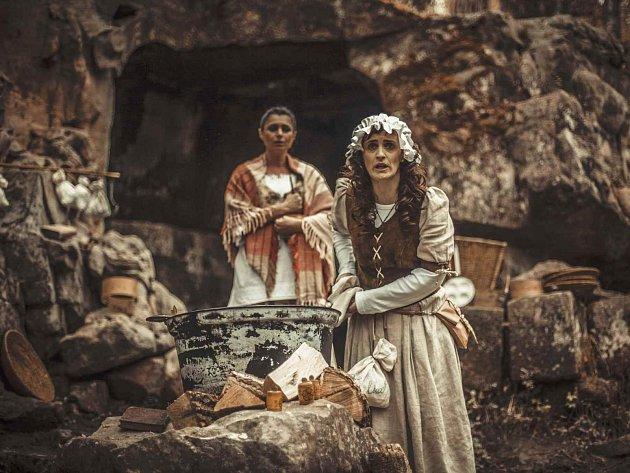 Tajuplná atmosféra čarodějného reje v Braunově betlémě u Kuksu.
