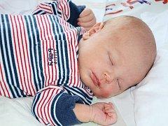 MATĚJ ZÁLIŠ se narodil 4. června 2012 ve 21:04 hodin s váhou 3670 gramů a délkou 51 centimetrů. S rodiči Kateřinou a Vladimírem, a s bráškou Kubíčkem (necelé 2 roky), mají domov v obci Křinice.