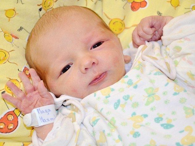 MAXMILIÁN MAGA je prvním miminkem Evy Benešové a Lukáše Magy z Nového M. nad Met.. Chlapeček se narodil 22. října ve 21:40 hod., vážil 2915g a měřil 47cm. Jeho maminka je inspektorkou distribuce Náchodského deníku. Z brášky má radost i sestřička Andrejka.