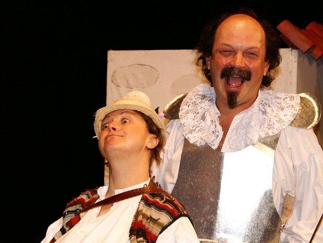 Na divadelním festivalu, který dnes začíná v Červeném Kostelci, se představí také domácí soubor s Donem Quijotem.