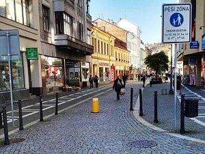 Provoz na pěší zóně Kamenice se bude regulovat sloupkem