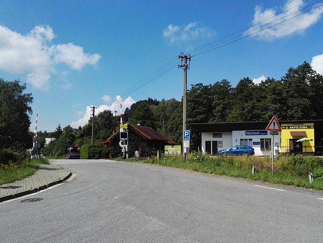UVLAKOVÉ ZASTÁVKY vBělovsi se 11.července od šesti do 14hodin kvůli opravám povrchu uzavře část silnice.