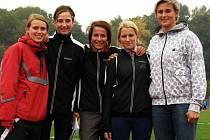 Velkým zážitkem pro mladé atlety z Jiráskova gymnázia v Náchodě bylo společné focení s oštěpařskou šampionkou Barborou Špotákovou.