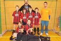 Turnaj starších přípravek vyhrály v tělocvičně hronovské základní školy naděje Velkého Poříčí.