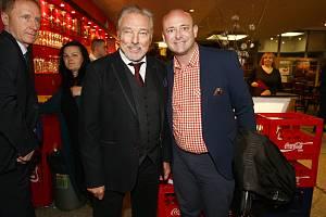 Karel Gott s Davidem Novotným při setkání na oslavě narozenin Karla Štědrého.