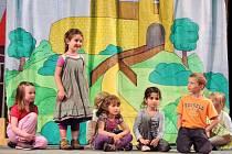 Dětské divadelní soubory se představily na Hronovském Háděti.