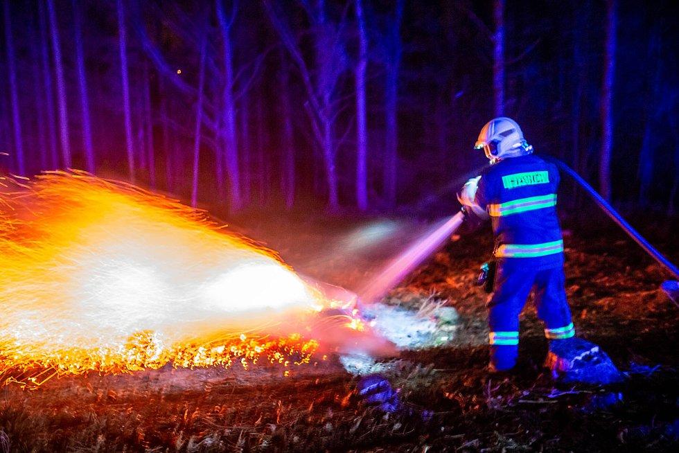 Nedohašené ohniště. Ilustrační foto.