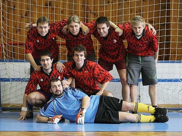 Až ve finále  skončila spanilá jížda týmu Hafnarfjordur, hráčů z Teplic nad Metují.
