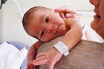 DANIEL KLÍMA přišel na svět 28. června  2010 v 15:06 hodin. Po porodu vážil 3910 gramů a měřil 51 centimetrů. S rodiči Věrou a Petrem, a s bratříčkem Adámkem (2), má domov v Polici nad Metují.