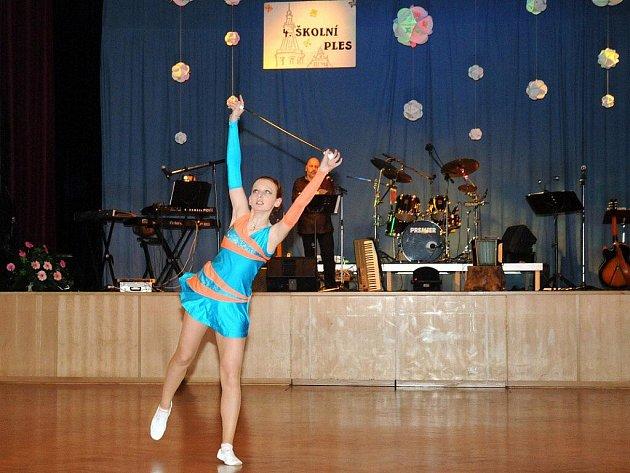 4. Školní ples v Hronově.