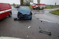 Při dopravní nehodě ve Vlkově se zranil člověk.