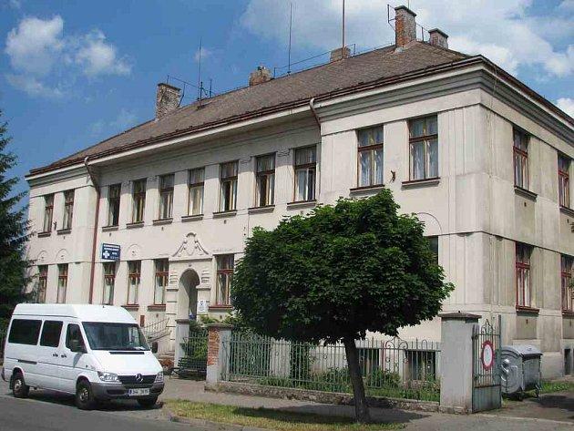 Zdravotní středisko v Hronově.