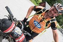 Šonovský starosta Vladimír Grusman už má za sebou několik extrémních non-stop ultramaratonu v sedle kola.
