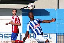 Nigerijský útočník Jimmy Peremene Gidion je v Náchodě hlavně od dávání gólů, což se mu v úvodu sezóny daří.