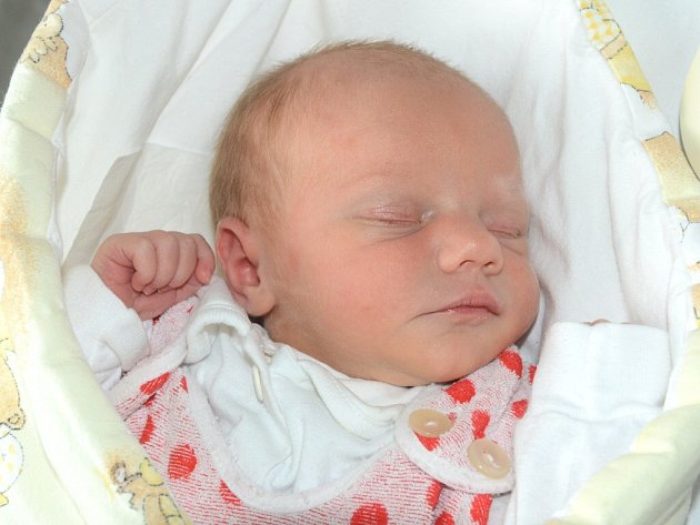 ANEŽKA LINHARTOVÁ se narodila 30. června 2013 ve 13:23 hodin s váhou 3060 gramů a délkou 49 centimetrů. S rodiči Janou Šichanovou a Jiřím Linhartem bydlí ve Velké Jesenici. Na sestřičku se těší bráškové Patrik (10 let) a Jaroušek (2 roky).