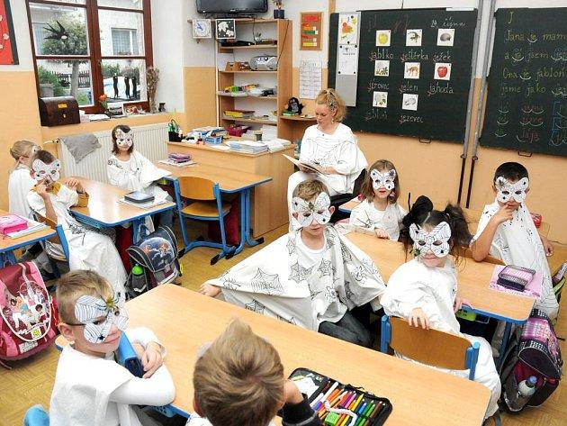 Den strašidel ve škole ve Velkém Poříčí.
