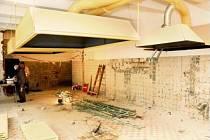 Rekonstrukce kuchyně a jídelny ve škole v Hronově.