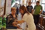 """Náchodská nemocnice se 15. května poprvé připojila k akci """"Čas je mozek"""", která se konala v budově Beránku, a to při příležitosti Světového dne boje proti mozkové mrtvici."""