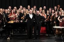 Mimořádně vydařené byly koncerty roku 2019, kdy přijal pozvání orchestru ke spolupráci klavírista Lukáš Vondráček, vítěz nejprestižnější světové klavírní Soutěže královny Alžběty v Bruselu.