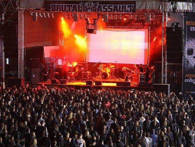 Z festivalu Brutal Assault v Josefově.