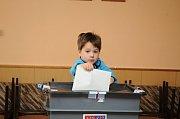 Volby v Červeném Kostelci.