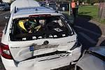 Chvilka nepozornosti stačila k tomu, aby se během okamžiku mačkaly plechy hned pěti automobilů.