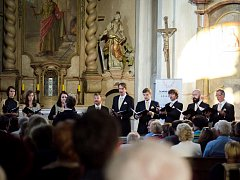 9. koncert festivalu navštívilo v Šonově 207 posluchačů, kteří přispěli na dobrovolném vstupném částkou 18975 Kč.