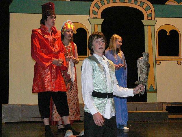 Na  středeční  odpolední zkoušce se už žáci oděli také do kostýmů.