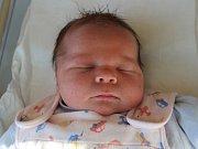 MATYÁŠ ČERNÝ z Hronova potěšil svým příchodem na svět šťastné rodiče Kateřinu Hlavatou a Jakuba Černého. Chlapeček se narodil 25. prosince 2016 v 16.29 hodin, vážil 3890 g a měřil 50 cm.