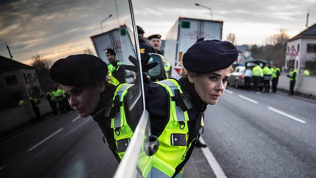 Na hranicích s Polskem probíhá cvičení pro případ dočasného znovuzavedení ochrany hranic.