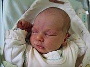 MIROSLAV ŠEFC se narodil 16. dubna 2017 ve 23.40 hodin. Jeho míry byly 3600 gramů a 51 centimetrů. Šťastní rodiče Martina Pernicová a Daniel Šefc jsou z Bezděkova.