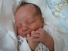 ZDENĚK KLOFÁČ se narodil 24. dubna 2013 v 7:17 hodin s váhou 3405 gramů a délkou 50 centimetrů. S rodiči Zdeňkou Jansovou a Zdeňkem Klofáčem, a se sestřičkou Kateřinou, bydlí v obci Vestec.