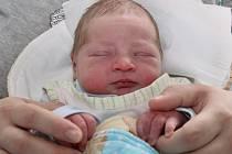 PETR KRECL poprvé vykoukl na svět 29. listopadu 2016 v 7.06 hodin. Klouček vážil 3840 gramů a měřil 48 centimetrů. S rodiči Lucií Kreclovou a Miroslavem Limberským jsou ze Slavoňova.