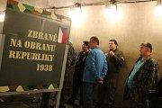 V sobotu 9. září se na Dobrošově vzpomínalo. Na všechny, kteří se na stavbě opevnění před osmdesáti lety podíleli.