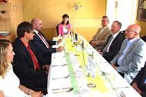 Z JEDNÁNÍ o spolupráci v zaměstnávání mezi Čechy a Poláky.