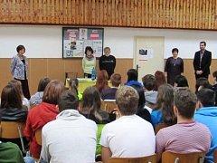 ŽÁCI DEVÁTÝCH TŘÍD Základní školy v České Skalici besedovali v rámci projektu Příběhy bezpráví.