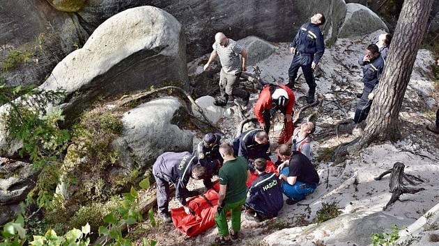 Záchrana horolezce. Spadl zřejmě z věže Polední.