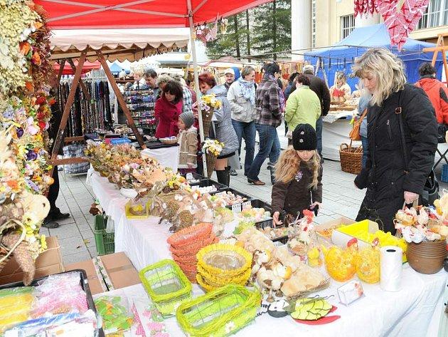 Velikonoční trhy v Hronově.