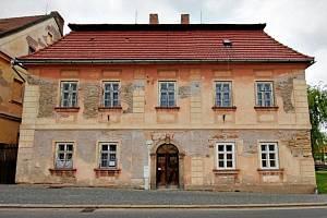 Barokní kovárna v České Skalici se proměňuje.