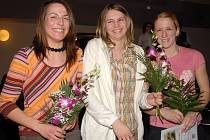 Pavla Rousková, Martina Routková, Kristýna Loudová (zleva), tři dorostenky ze stříbrné štafety 4x200m z MČR v hale z loňského mistrovství. Na snímku není čtvrtá ze sestavy Lída Vlčková.