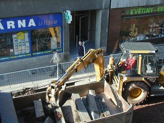 S opravou ulice Kamenice byla položena také nová kanalizace.